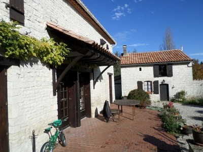 French property, houses and homes for sale in JAULDES Charente Poitou_Charentes