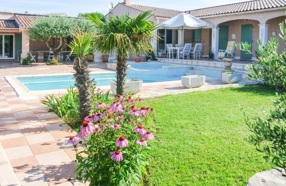 Maison vendre en languedoc roussillon gard generac for Jardin 150m2
