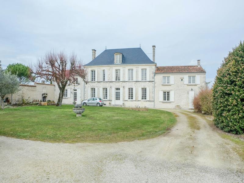 Maison à vendre à LA VERGNE(17400) - Charente Maritime