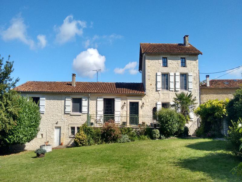 Maison à vendre en Poitou Charentes - Charente STE COLOMBE ...