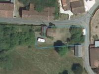 Terrain constructible pour une maison.  Avec CU pour une maison