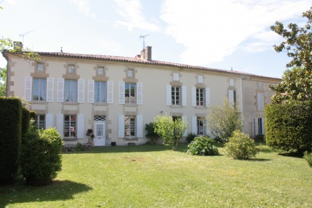 French property, houses and homes for sale in BLANZAY SUR BOUTONNE Charente_Maritime Poitou_Charentes