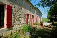 PROJET DE RENOVATION - Maison en pierre à rénover avec dépendances en ruines, entourée par vignobles biologiques à 15mn de St Emilion