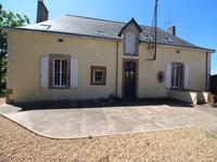 French property for sale in BALLOTS, Mayenne - €286,200 - photo 2
