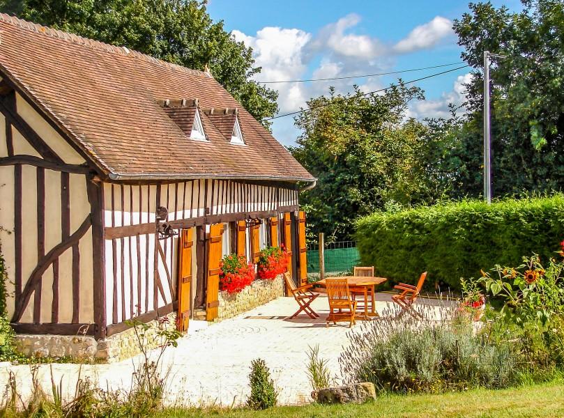 Maison vendre en basse normandie orne coudehard une - Acheter une voiture d occasion dans un garage ...