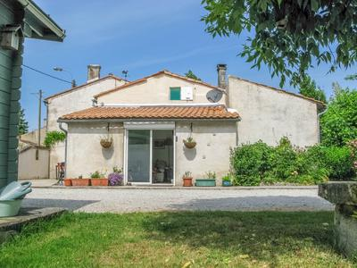 French property, houses and homes for sale in BRIVES SUR CHARENTE Charente_Maritime Poitou_Charentes