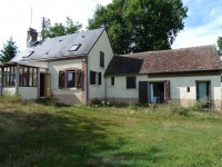 Longère, 4 chambres, avec maison d'amis,  à moins de 1 km d'un village, grand jardin avec double garage,
