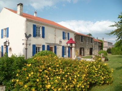 French property, houses and homes for sale in VANDRE Charente_Maritime Poitou_Charentes