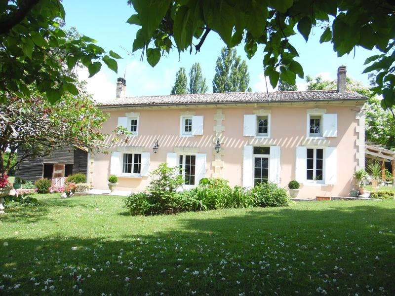 Maison vendre en aquitaine gironde villegouge maison for Acheter carpe pour etang