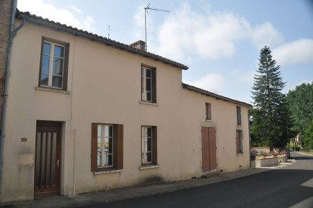French property, houses and homes for sale in ASNIERES SUR BLOUR Vienne Poitou_Charentes