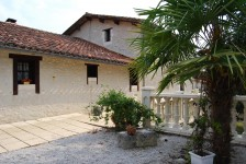 French property for sale in ST ROMAIN, Charente - €355,100 - photo 5