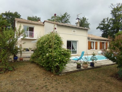 French property, houses and homes for sale in COULOUNIEIX CHAMIERS Dordogne Aquitaine