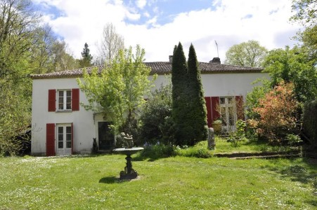 French property, houses and homes for sale in VOEUIL ET GIGET Charente Poitou_Charentes