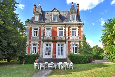 Superb 19th century chateau with 2 apartments; glorious park gardens and views.  Close to Chalais and Aubeterre.