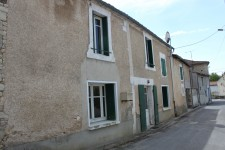 French property for sale in LA CHAPELLE, Charente - €36,000 - photo 2