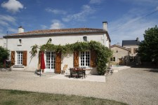 French property for sale in ST JOUIN DE MARNES, Deux_Sevres photo 1
