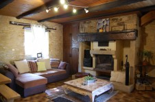 French property for sale in LA CHAPELLE AUBAREIL, Dordogne - €194,400 - photo 6