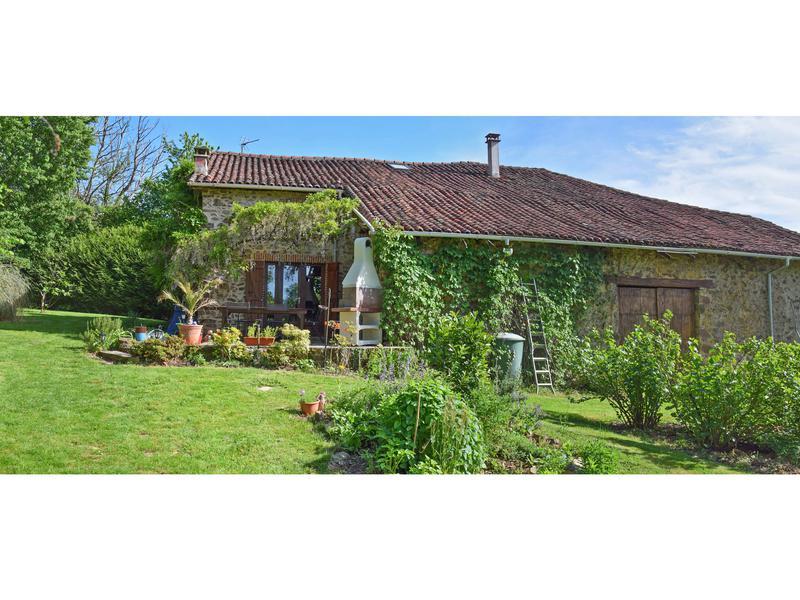 Maison à vendre à SAULGOND(16420) - Charente