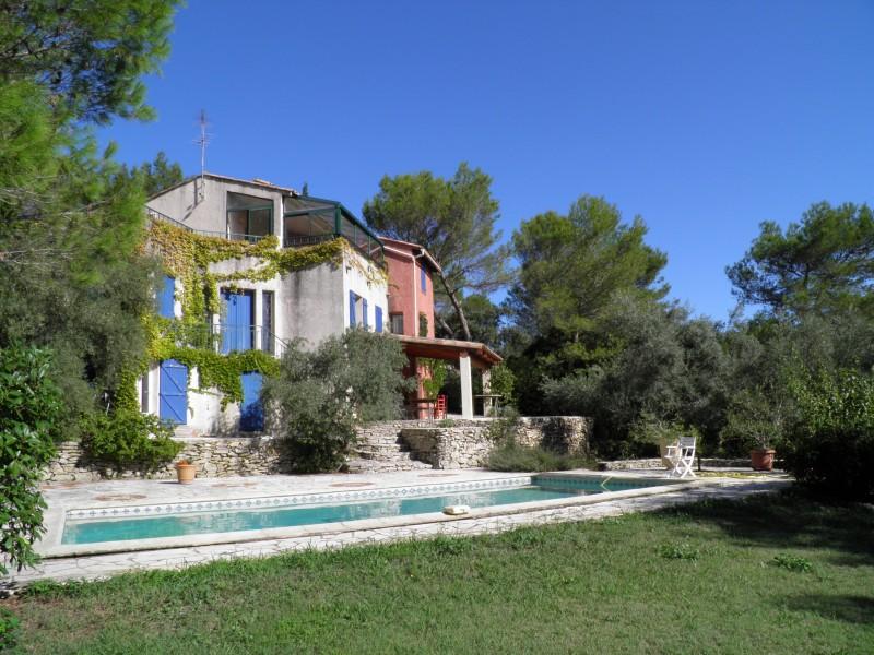 maison vendre en languedoc roussillon gard nimes hauts de nimes quartier tranquille villa. Black Bedroom Furniture Sets. Home Design Ideas