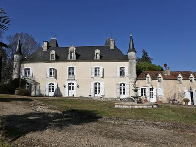 chateauin MAREUIL