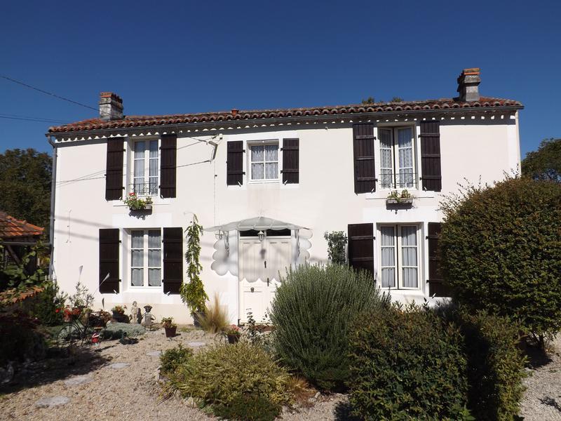 Maison à vendre en Poitou Charentes - Charente NANCLARS Charmante ...