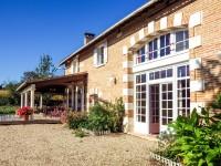 Maison à vendre à LA ROCHE CHALAIS en Dordogne - photo 1