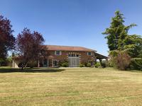 Maison à vendre à LA ROCHE CHALAIS en Dordogne - photo 0
