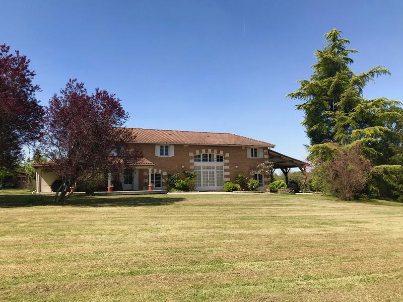 Maison à vendre à LA ROCHE CHALAIS(24490) - Dordogne