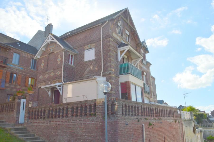 maison vendre en picardie somme ault magnifique villa avec des vues spectaculaires sur la. Black Bedroom Furniture Sets. Home Design Ideas