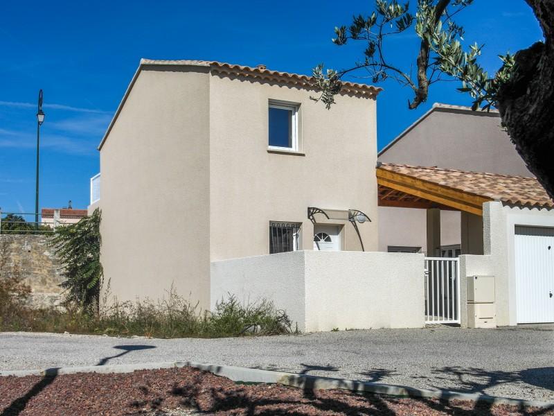 maison vendre en paca vaucluse vacqueyras maison neuve de 3 chambres dans lotissement dans. Black Bedroom Furniture Sets. Home Design Ideas