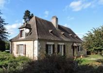 Périgord Noir - Charmante maison Périgourdine en pierre avec plusieurs dépendances et piscine - jardin de 2650m2