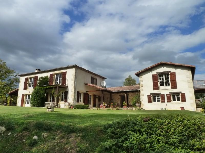 Maison vendre en midi pyrenees gers gondrin magnifique for Acheter maison gers