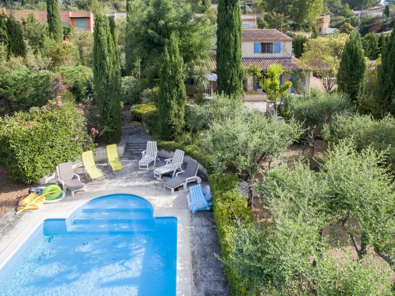 maison vendre en paca var lorgues maison avec piscine et jardin distance de marche du. Black Bedroom Furniture Sets. Home Design Ideas