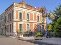 French property for sale in Pons, Charente Maritime - €472,500 - photo 1