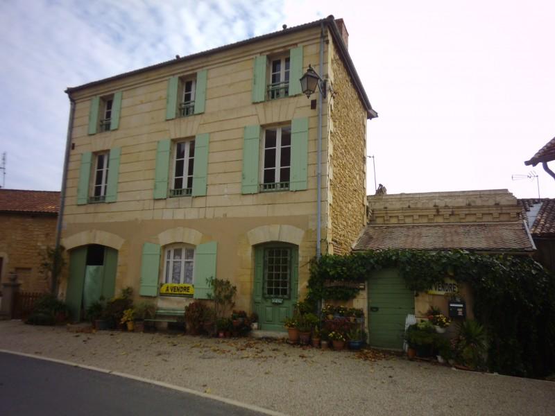 Maison vendre en aquitaine dordogne beaumont maison en for Acheter une maison en dordogne