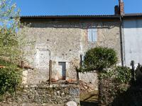 French property for sale in LES SALLES LAVAUGUYON, Haute Vienne - €31,000 - photo 1