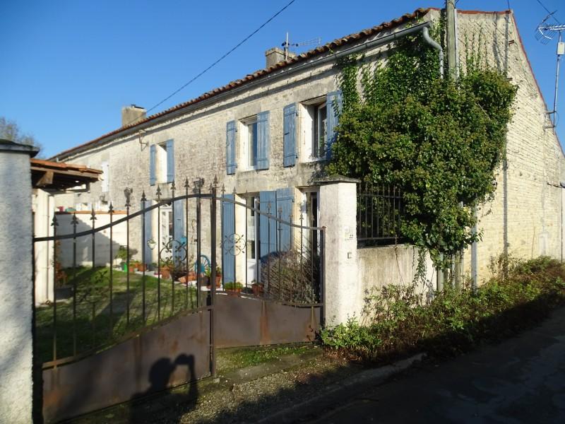 Maison vendre en poitou charentes charente maritime surgeres jolie maison - Tarif notaire achat maison ...