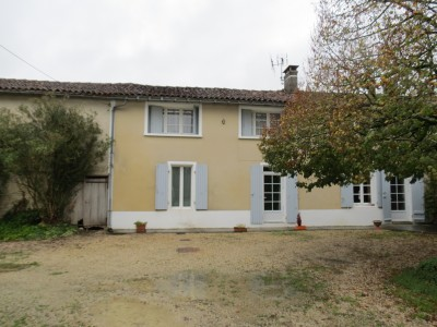 French property, houses and homes for sale in CRESSE Charente_Maritime Poitou_Charentes