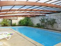 French property for sale in ROULLET ST ESTEPHE, Charente - €402,800 - photo 2