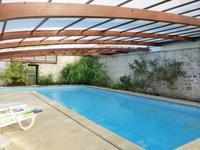 Maison à vendre à ROULLET ST ESTEPHE en Charente - photo 1