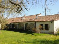 French property for sale in ROULLET ST ESTEPHE, Charente - €402,800 - photo 8