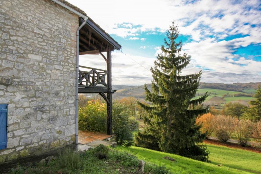 maison vendre en midi pyrenees tarn et garonne lauzerte deux maisons en pierre du quercy. Black Bedroom Furniture Sets. Home Design Ideas