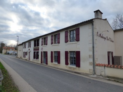 French property, houses and homes for sale in COULON Deux_Sevres Poitou_Charentes
