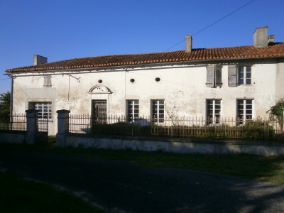 French property, houses and homes for sale in MONTMOREAU ST CYBARD Charente Poitou_Charentes