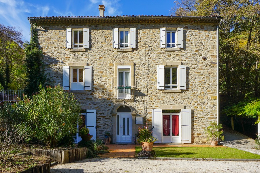 House for sale in besseges gard a substantial 19thc 5 for Maison roussillon