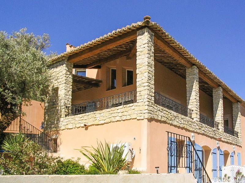 maison vendre en paca vaucluse entrechaux excellente maison pour chambres d 39 h tes vue. Black Bedroom Furniture Sets. Home Design Ideas