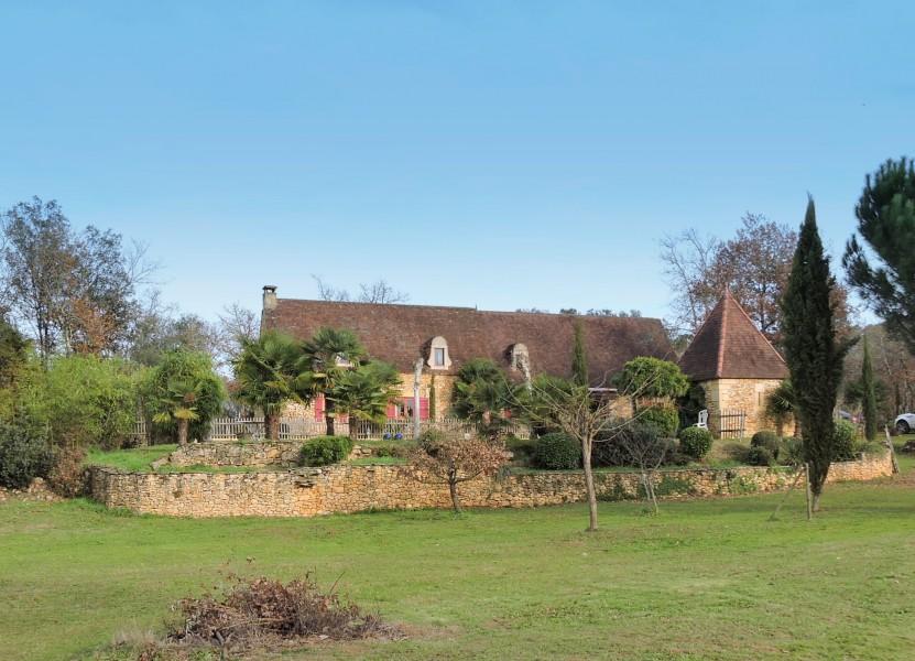 Maison vendre en midi pyrenees lot st cirq madelon for Agrandissement maison limite de propriete