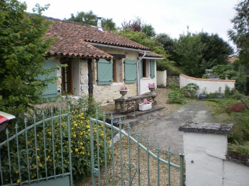 Maison vendre en poitou charentes charente cellefrouin for Acheter une maison au portugal particulier
