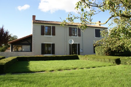 French property, houses and homes for sale in LUCHE THOUARSAIS Deux_Sevres Poitou_Charentes