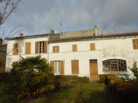 French property for sale in ST CIERS SUR GIRONDE, Gironde photo 4